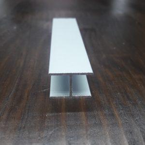 Балка алюмінієва 18х12х1 / анод срібло