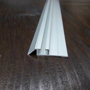 Нижняя монорельса для шкафа купе, одинарная | 10 серебро
