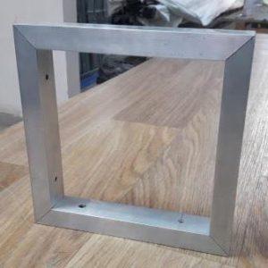 Алюминиевая рамка из профильной трубы 25х20х1,5, крепление под 45 градусов