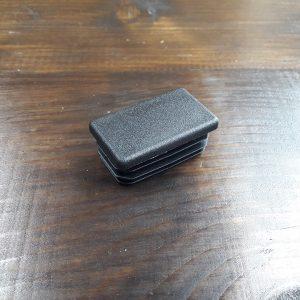 Заглушка пластиковая прямоугольная для профильной трубы 20х10мм
