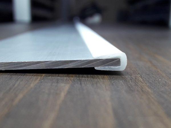 Окантовочный профиль 2мм белый