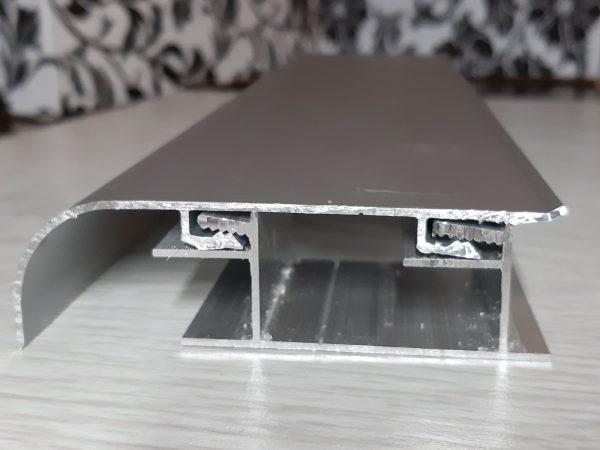плинтус алюминиевый 80х22