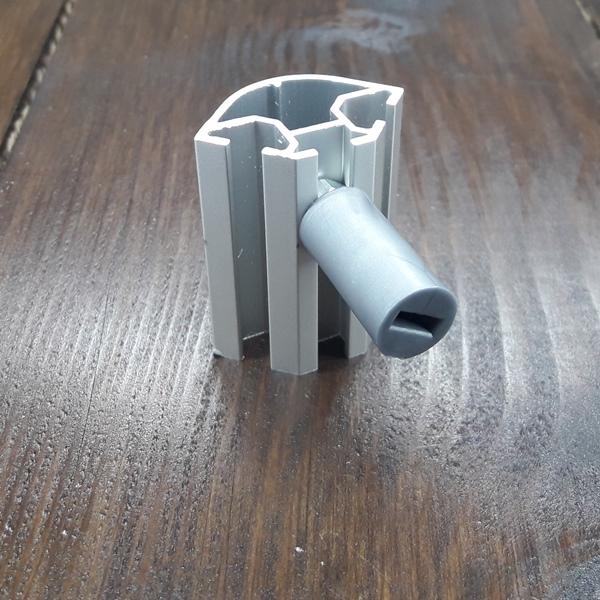 полкодержатель пластиковый к торговому профилю серый