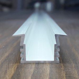 Профиль светодиодный выразительный ПАС-2230 анод. L-2 метра
