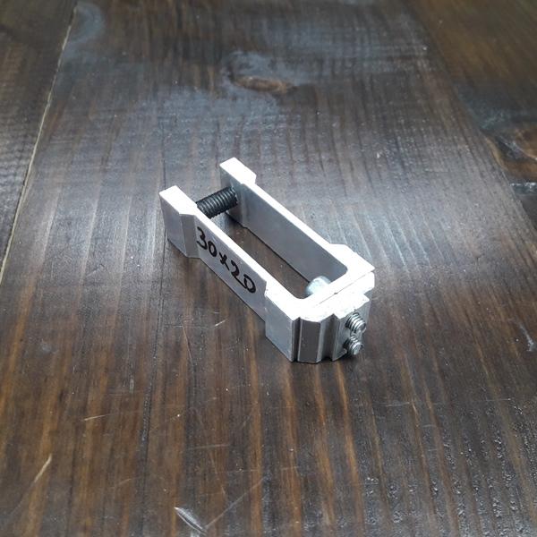 соединительное крепление алюминиевой трубы 30х20х2