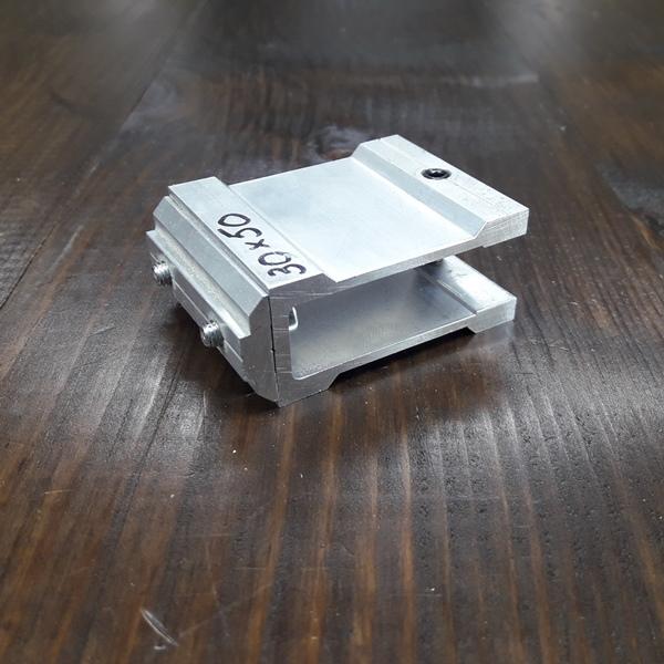 соединительное крепление алюминиевой трубы 30х50х2