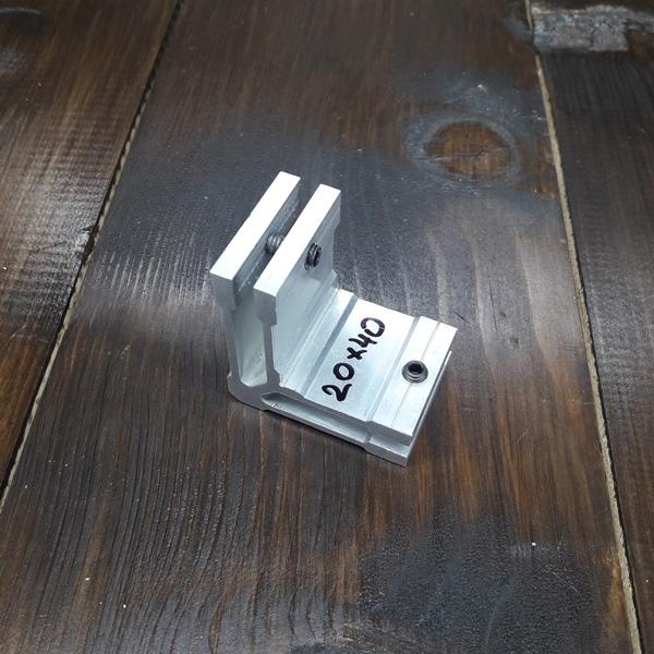 соединитель угловой для трубы 20х40