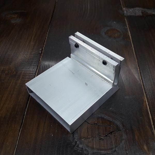 соединитель угловой для трубы 20х80