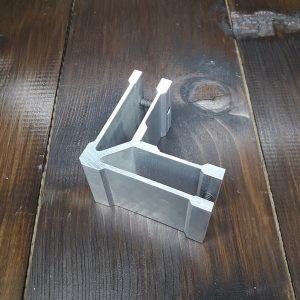 Соединитель алюминиевой трубы 30х20мм, угловой (фиксация по стороне 20)