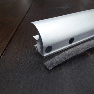 щетка для дверей купе на клеевой основе
