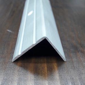 Порожек алюминиевый угловой 23,5х19мм . Длина 2,71м