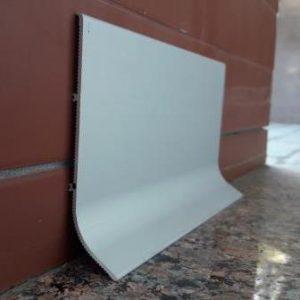 Плинтус напольный широкий 100×25мм. BLW-3111 L-3 метра.