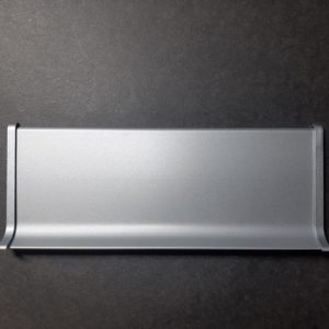 Заглушка торца алюминиевая для плинтуса 40-60-70-80-100мм. Заглушка окончания профиля левая и правая. Анод серебро и под покраску.