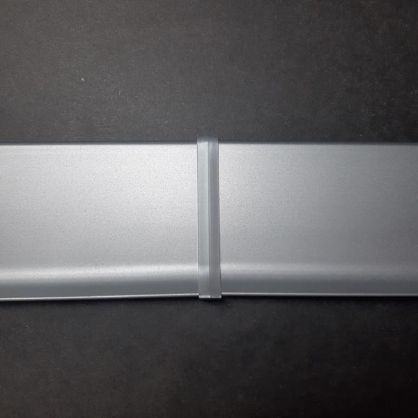 соединитель пластиковый для алюминиевого плинтуса