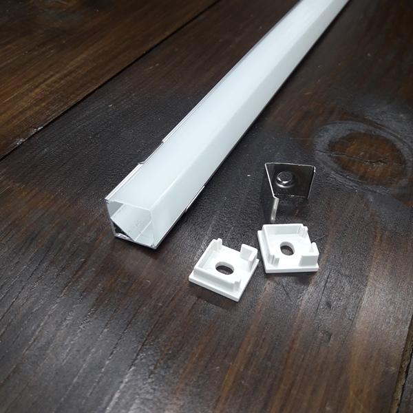 Светодиодный профиль угловой с квадратным рассеивателем ПФ-9