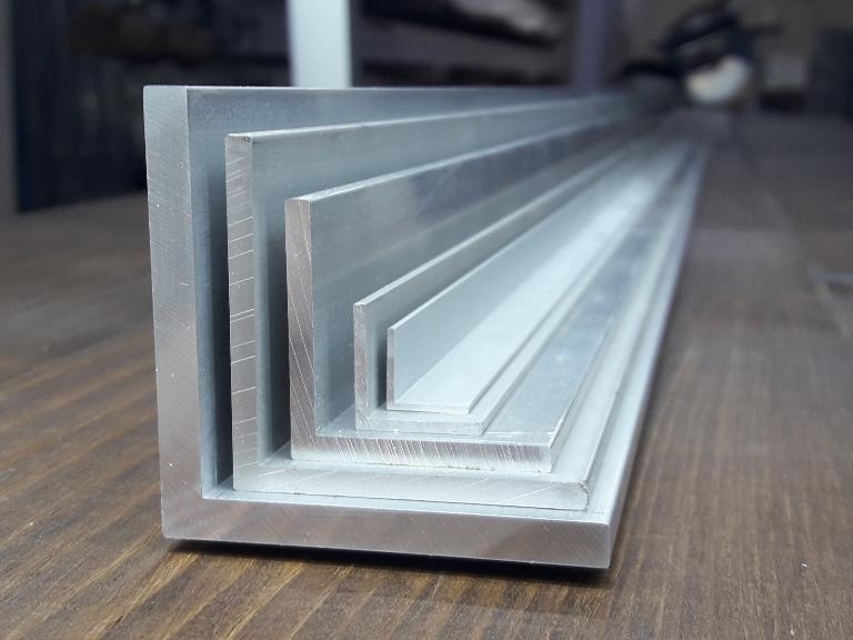 Куточок алюмінієвий – оновлення асортименту.
