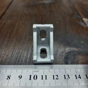 Кутове кріплення 20х28 для верстатного профілю