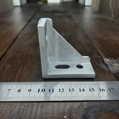 кутовий елемент кріплення для верстатного профілю 30 серія ТД Алюміній altd.com.ua