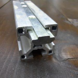 Лінійний з'єднувач 30я серія, паз 8мм, L-120