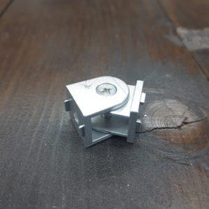 Поворотний елемент для верстатного профілю 20х20