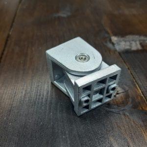 Поворотний елемент для верстатного профілю 40х40