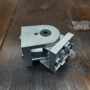 Поворотний елемент для верстатного профілю 45х45